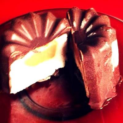 Cannelés glacés au cœur fondant - Un dessert estival qui peut aussi se déguster en hiver.