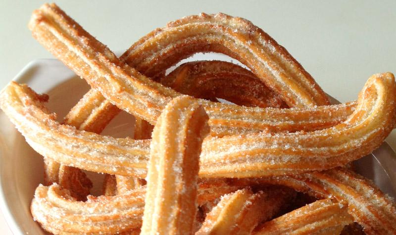 Churros espagnols - Les churros font partie de la famille des beignets.