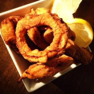 Beignets de calamars frits - Ces beignets croustillants sont un vrai régal que l'on peut s'accorder une fois de temps en temps !