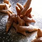 Beignets de Carnaval - Des beignets festifs à la forme amusante.