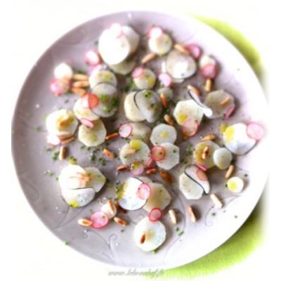 Topinambours aux deux radis - Une salade certes féminine mais qui est aussi gourmande, croquante et savoureuse.
