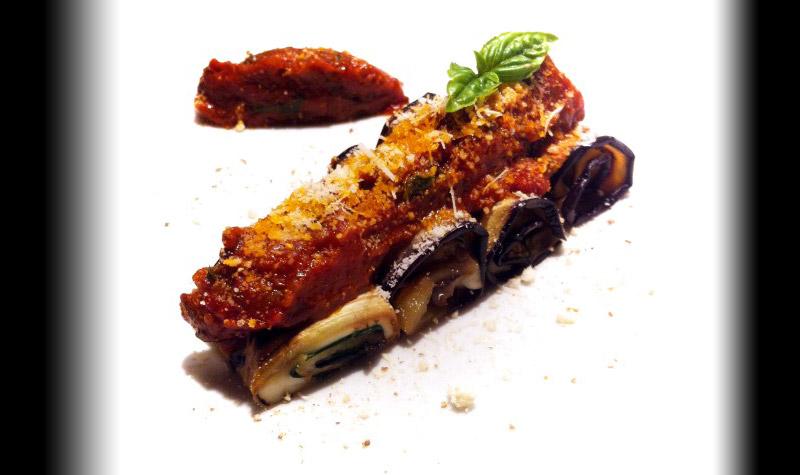 Roulés d'aubergines grillées à la mozzarella - une entrée saine et équilibrée aux saveurs italiennes.