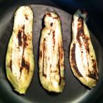 Roulés d'aubergines grillées à la mozzarella – Tranches d'aubergines grillées.