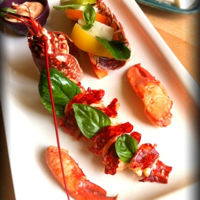 Salade de homard rôti, vieilles tomates et mozzarella - Un régal à déguster en tête-à-tête