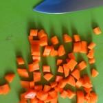 Salade de homard rôti, vieilles tomates et mozzarella - Carottes coupées en mirepoix (gros dés).