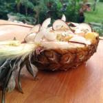 Ananas meringué et ses fruits exotiques - Les vacances vous semblent encore loin ? Ajoutez de l'exotisme à vos repas avec l'ananas meringué et ses fruits exotiques.