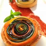 Tarte spirale aux légumes - Une tarte gourmande et esthétique à servir en entrée ou en plat, accompagnée d'une salade verte.