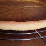 Tarte aux framboises - Sortir le fond de tarte du four et laisser refroidir.