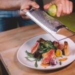 Salade de rougets - Le zeste de citron vert apporte une touche fraiche et piquante. (Photo : Elodie Davis).