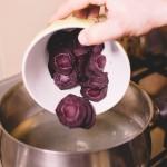 Salade de rougets - Les carottes violettes, contiennent plus de bêta-carotènes que les autres variétés. (Photo : Elodie Davis).