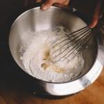 Tarte aux fraises – Il est possible remplacer la Maïzena par de la farine ou de la poudre à flan, le résultat est sensiblement différent. (Photo : Elodie Davis).