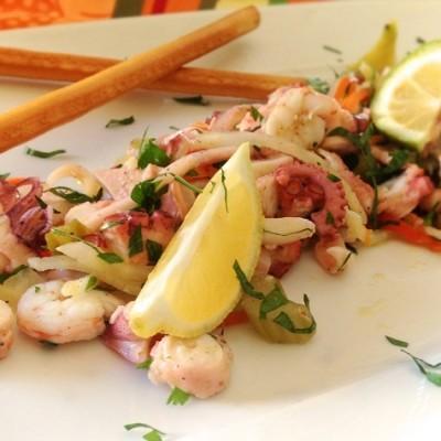 Salade de la mer à l'italienne - Cette salade de la mer, très en vogue en Sicile, est un vrai délice qui remplira votre assiette de soleil de Méditerranée !