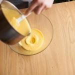 Tarte au citron meringuée revisitée - Débarrasser la crème au citron dans un saladier froid. (Photo : Elodie Davis).