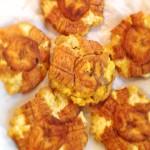 Frites de banane plantain - Déposer les rondelles dans une assiette recouverte avec du papier absorbant.