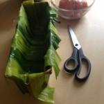 Terrine de saumon, noisettes et poireaux - Chemiser la terrine avec les lanières de poireaux bien sèches.
