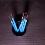 Sabres lasers (Star Wars) - Le bleu est pour ceux qui se spécialisent dans le combat au sabre. (Photo : Elodie Davis).