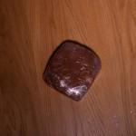 Dark Vador extraordinairement chocolat (Star Wars) - Réserver pendant 2 heures au réfrigérateur. (Photo : Elodie Davis).