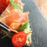 Bruschetta aux saveurs italiennes - Ajouter quelques pignons de pin.