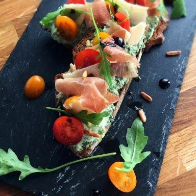 Bruschetta aux saveurs italiennes - Avec des produits du terroir italien, ces tartines sont irrésistibles !