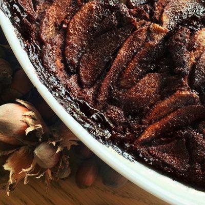 Moelleux au chocolat et aux poires - Pour un chaud-froid surprenant, accompagner ce dessert avec un sorbet à la poire !