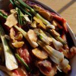Canard braisé au poivre de Sichuan - Recouvrir le canard avec la marinade.