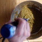 Bouillon de légumes en poudre maison - Mixer de nouveau à l'aide d'un mixeur plongeant.